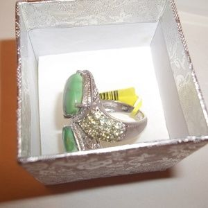 Jewelry - NWT Sterling Silver Green Peridot Bypass Ring Sz 7